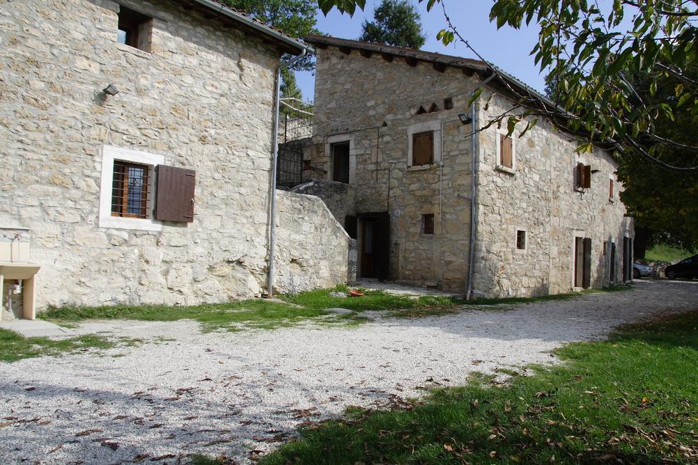 Fornara by il giglio - Archi in pietra interno casa ...